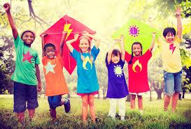 criancas brincando no dia das criancas